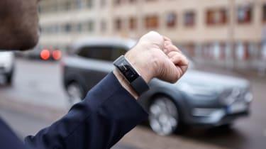 用沃尔沃的新智能手术技术与您的汽车交谈
